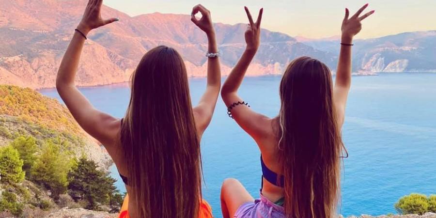 Αδελφές Ερωτοκρίτου: «Οι Κινέζοι, που μετά από προτροπή μας επισκέφτηκαν την Ελλάδα, τρελαίνονται με τις ομορφιές του τόπου μας» (video)